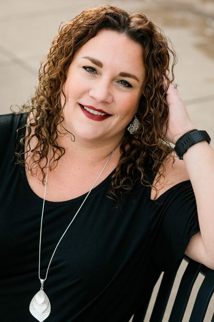 Sara McDaniels, Broker | REALTOR® in Peoria, Jim Maloof Realtor