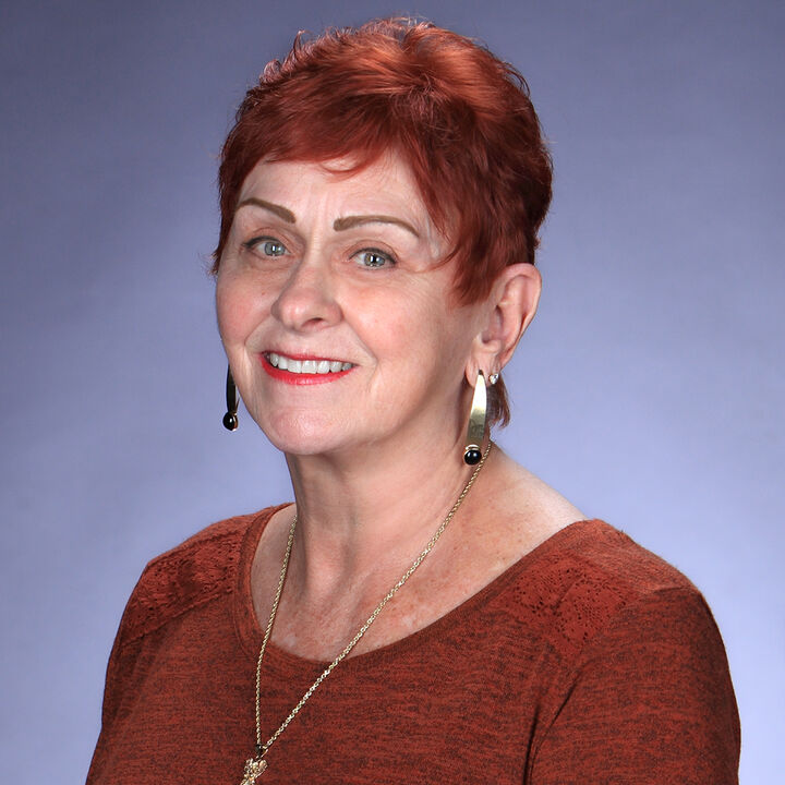 Carole Philpott,  in Simi Valley, Pinnacle Estate Properties