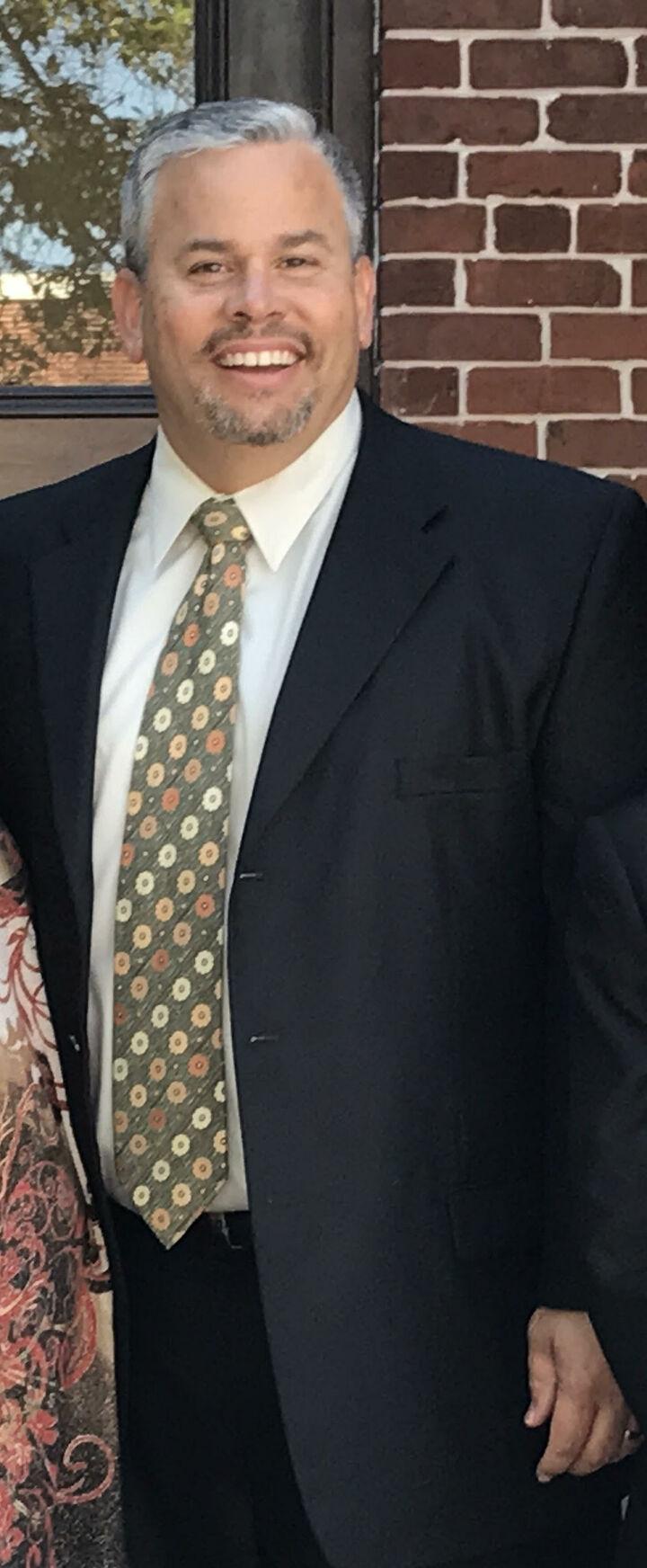 Jose Jordan,  in Lutz, Dennis Realty & Investment Corp.