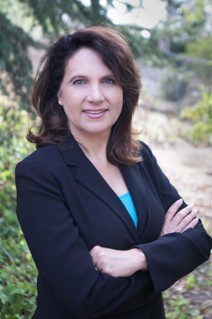 Dolores Beddow, REALTOR® in San Diego, Windermere