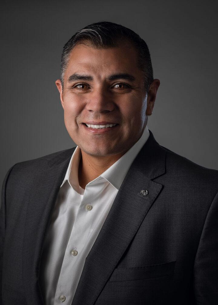 Roberto Ruiz, Realtor in San Jose, Intero Real Estate