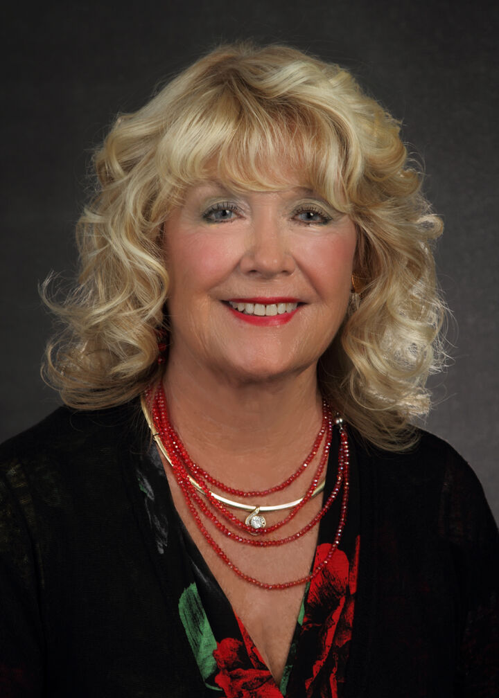 Darlene Gardner,  in Alameda, Windermere