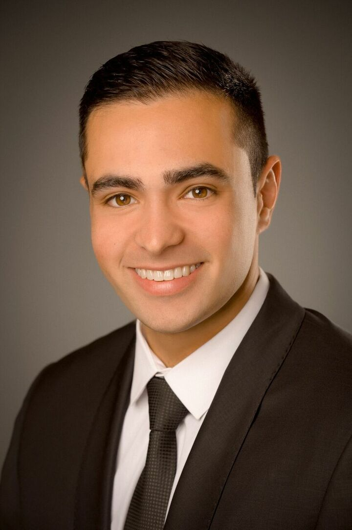 Bobby Ohadi,  in Cupertino, Intero Real Estate